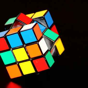 magic-cube-cube-puzzle-play declutter mind